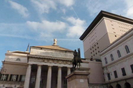 Piazza De Ferrari a Genova